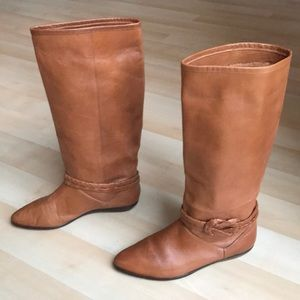 Vintage caramel all leather boots